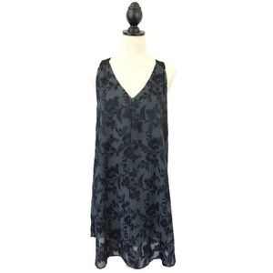ASTR Gray Floral V-Neck Mini Shift Dress Large